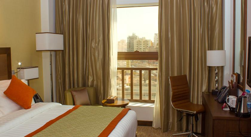 executive-bed-crowne-plaza